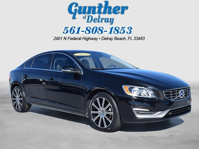 Pre-Owned 2017 Volvo S60 Inscription